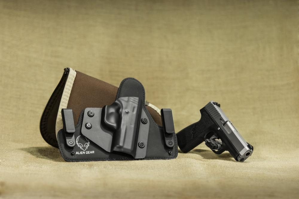 gun-handgun-holster-38635